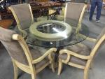 Very nice glass top table and 4 chairs...