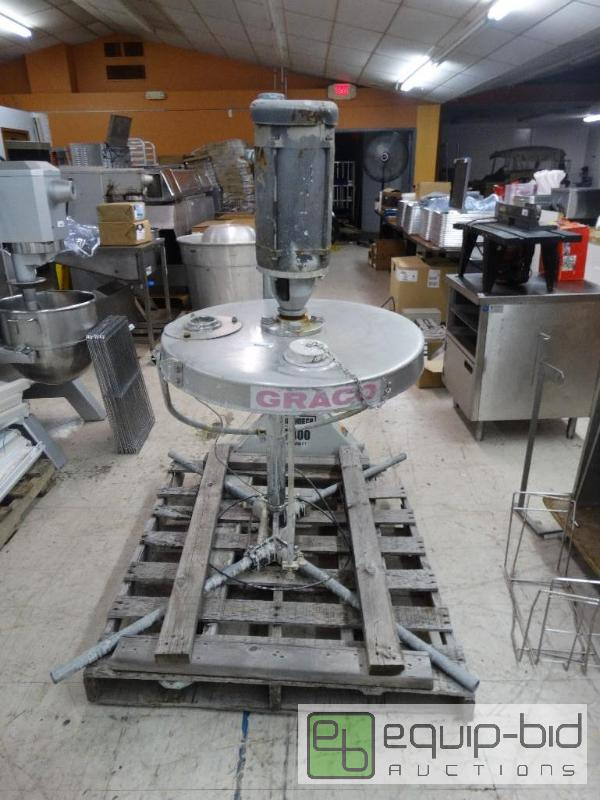 Graco commercial paint sprayer     | Wichita Like NEW Donut
