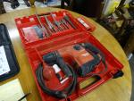 Hilti TE 30-C Hammer drill with 11 bits and c...